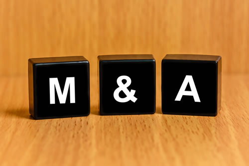 The letters M & A