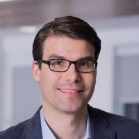 Portrait of Dr Florian Lucker