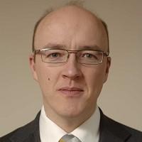 Portrait of Dr Simon Hayley