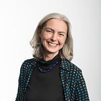 Portrait of Dr Sara Jones