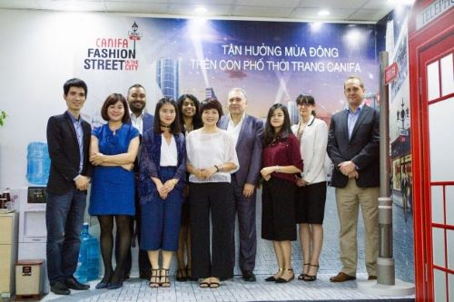 MBA students in Vietnam for the study trip